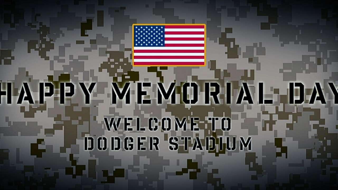 Aldrin helps Dodgers honor service members