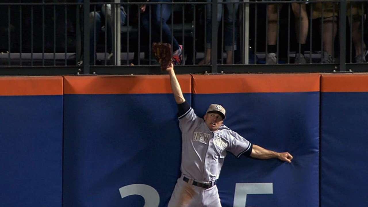 Yanks unable to put away Mets, drop opener