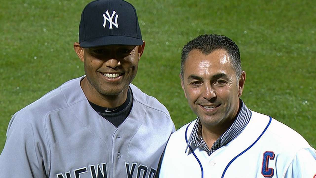 Mariano throws first pitch at Citi Field to Franco