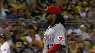 Cueto on DL with right shoulder strain