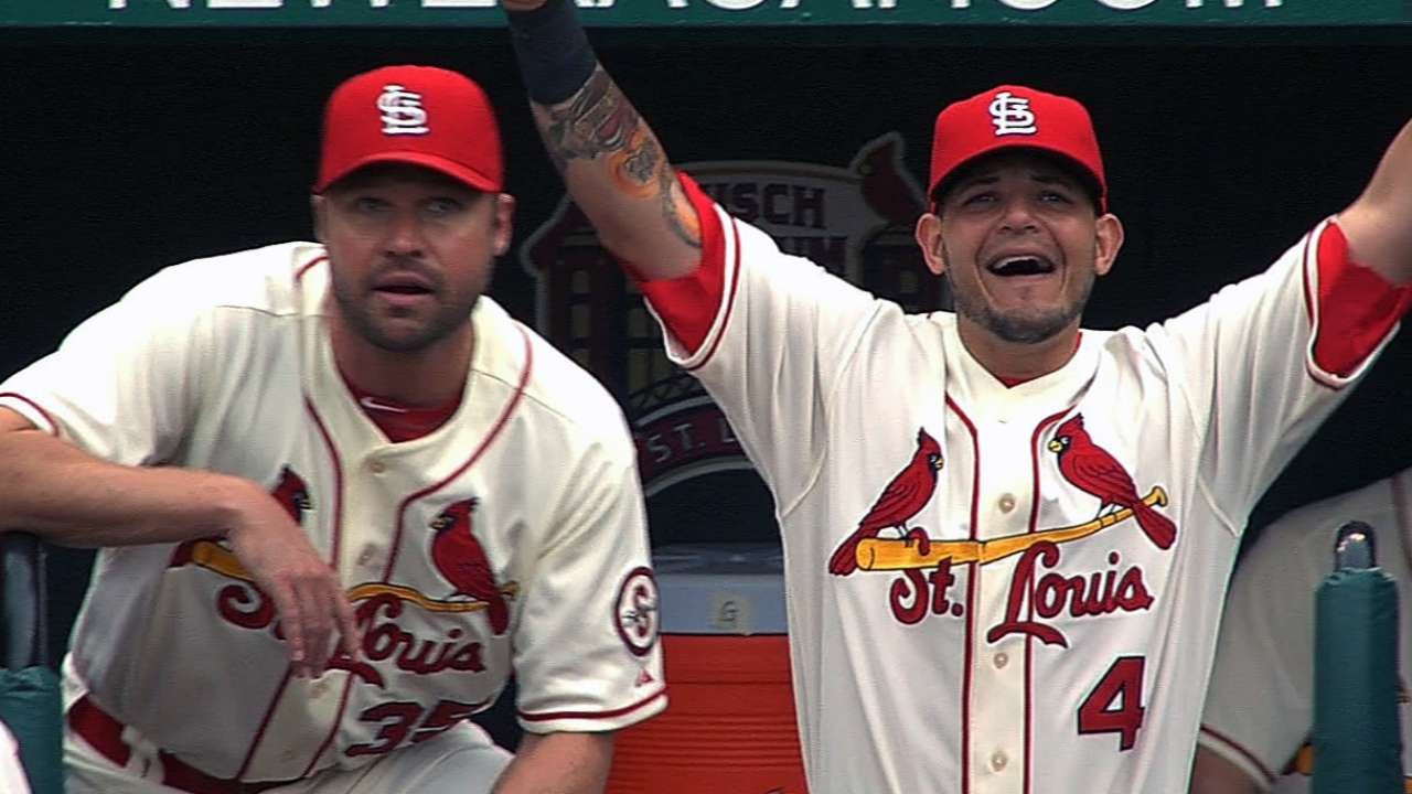 Cards' offense proves it has Cain's number again