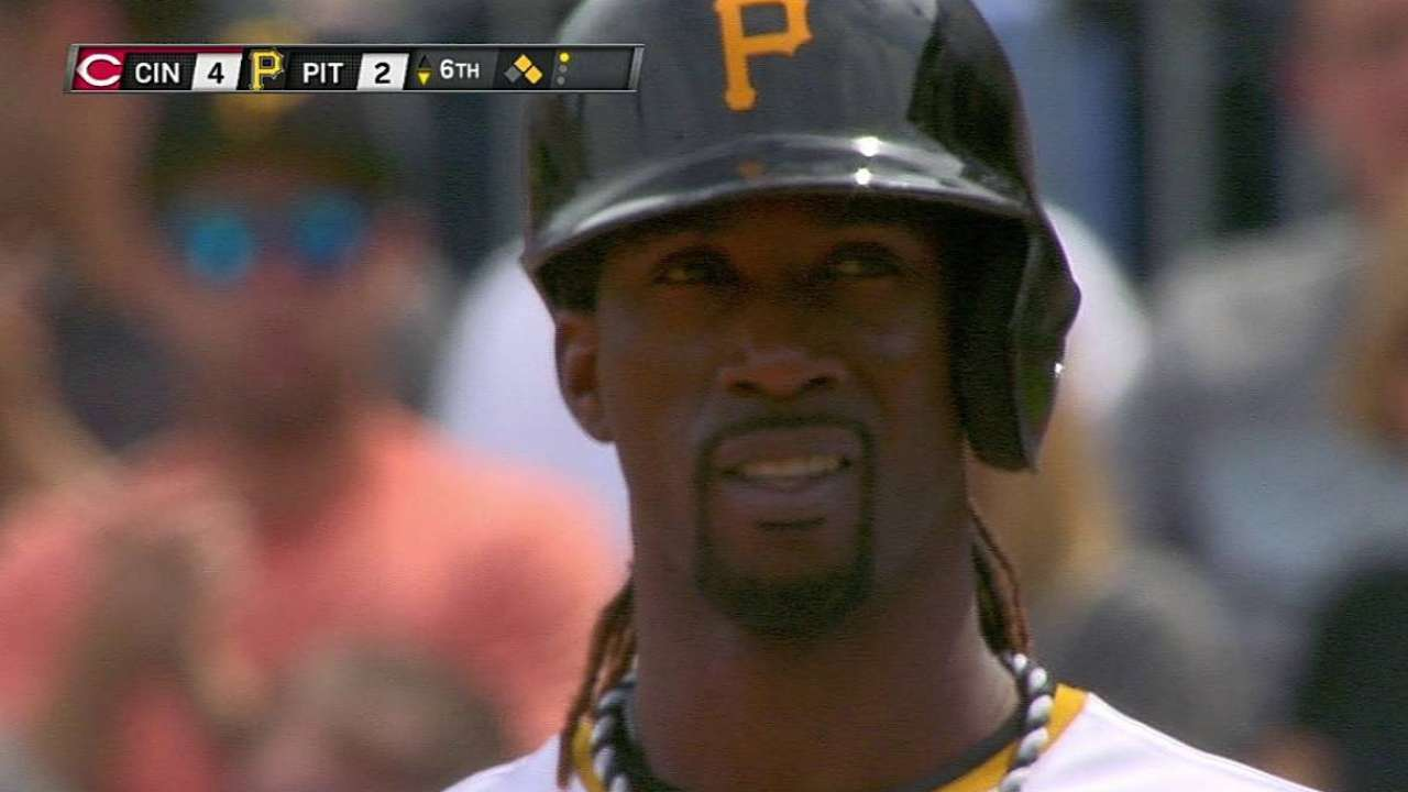 McCutchen takes break for opener in Atlanta