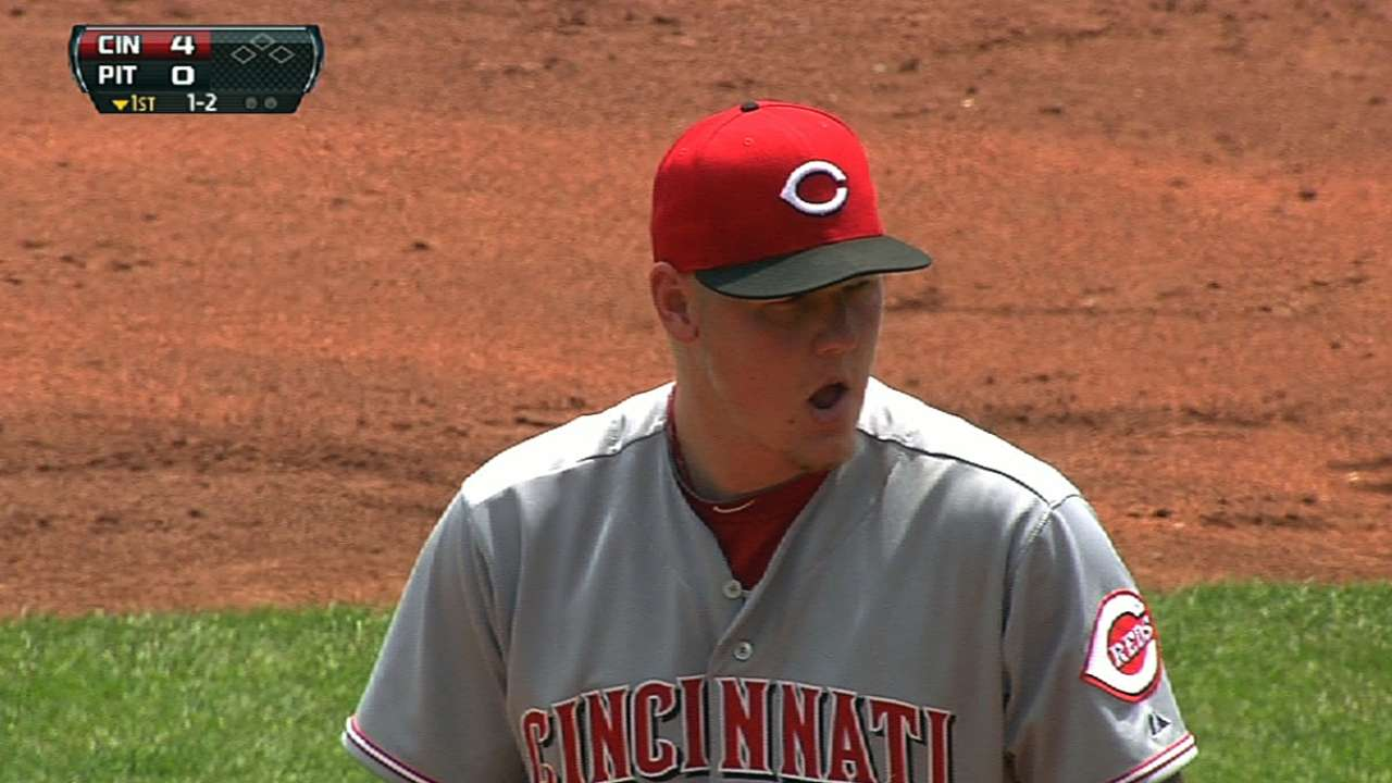 Reds squander early lead in extra-innings loss to Bucs