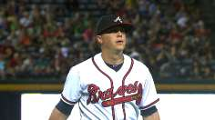 Braves' power show lifts Medlen past Pirates