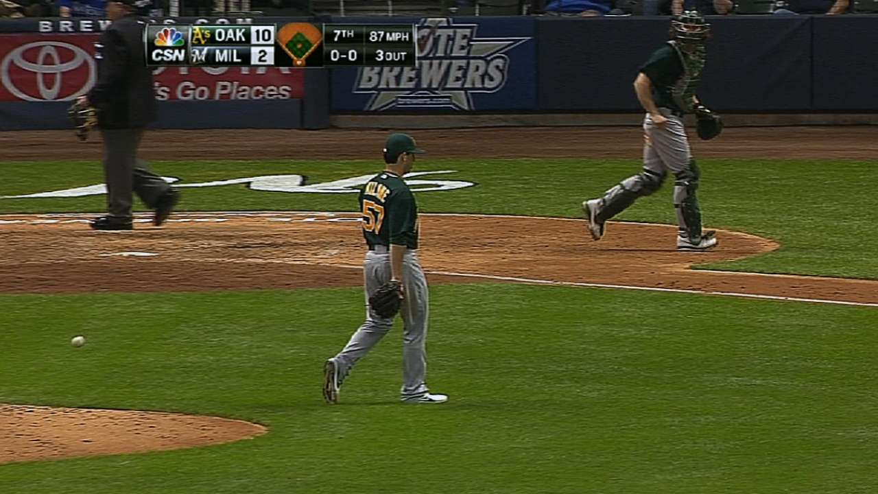 Milone does it all as A's win fourth straight