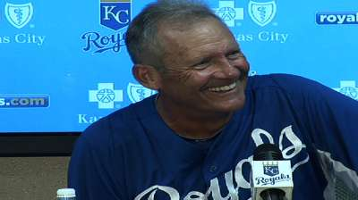 Brett's return to Royals dugout surprises Gardenhire