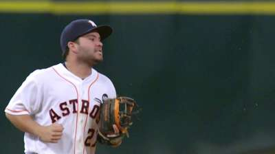 Altuve out of lineup due to aggravated groin