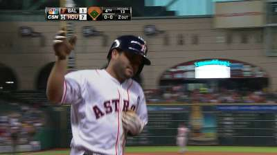 Altuve among leaders at second base in voting