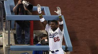 Puig punctuates Greinke's gem with first slam