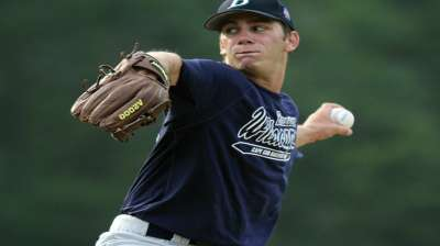 Rockies take lefty Moll with third-round pick