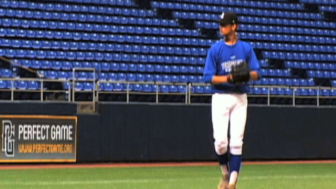 Former closer Harvey to represent Angels at Draft