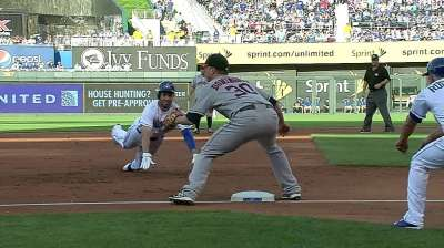Hosmer getting into swing of things at plate