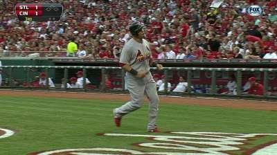 Close call denies Cards' ninth-inning rally