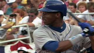 92 ASG: Griffey Jr. hits solo shot off Maddux