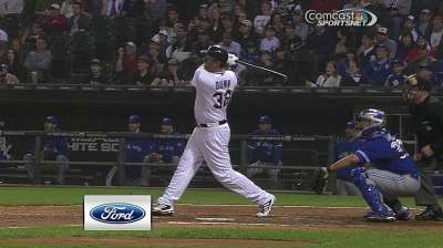 Dunn's two jacks power Sox to series-opening win