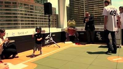 White Sox lend helping hand to Ronald McDonald House