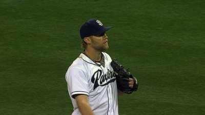 Cashner baffles Braves as Padres clinch series