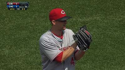 One more for Leake, Reds' streak at Wrigley