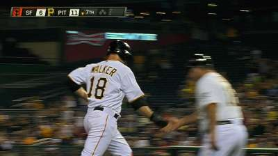 Video review gives Walker homer vs. Giants