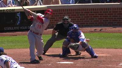 Votto initially gets day off, but pinch-hits