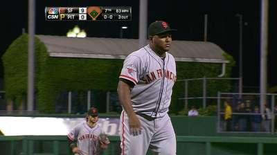 Giants bring back Machi to bolster bullpen