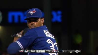 Late rally gives Blue Jays series-opening win