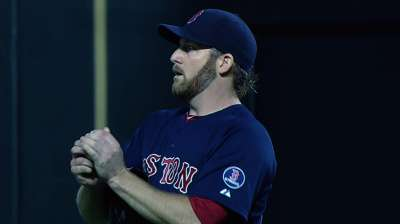 Red Sox miss chances to back solid Dempster