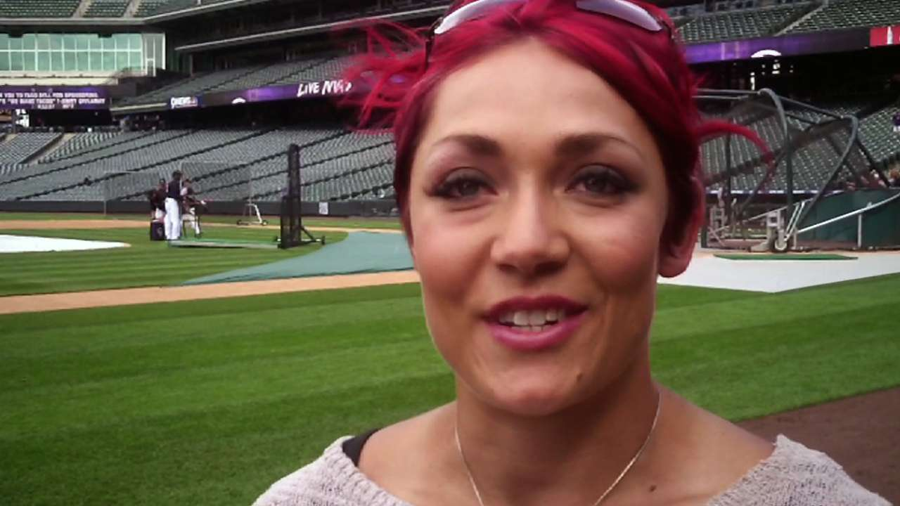 Daughter of ex-big leaguer Uhlaender going for gold