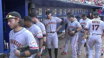 Two walks, error burn Romo in Giants' loss to Braves