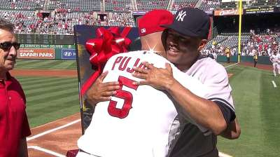 Mo's farewell stop in Anaheim has special meaning