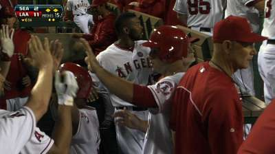 Hamilton goes deep as Angels rout Mariners