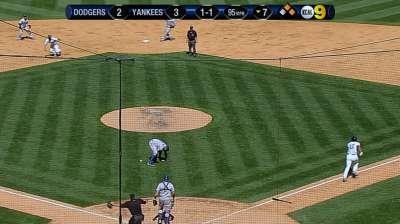 Errors mar Mattingly's first game vs. Yanks