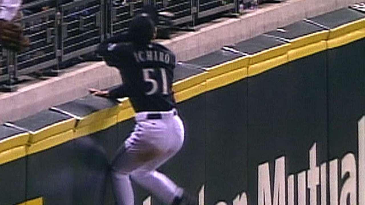 Ichiro's amazing grab