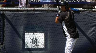 Jeter takes batting practice, ground balls at Stadium