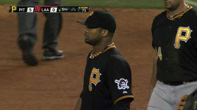 Liriano's gem backed by three Bucs homers