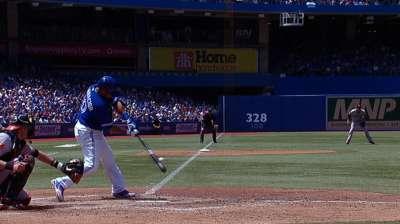 Azulejos siguen encendidos al apabullar a Orioles