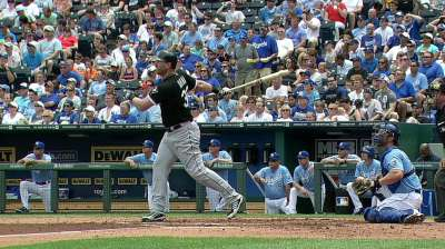 Dunn hits 426th homer to move up MLB list