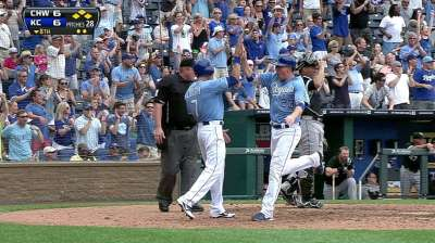 Royals use Sox errors to break away in finale