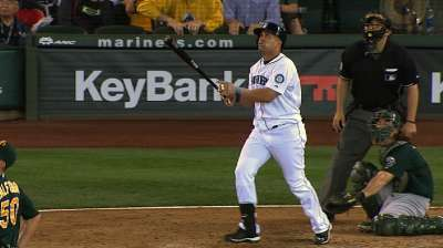 Morales' pinch-hit heroics top A's in walk-off