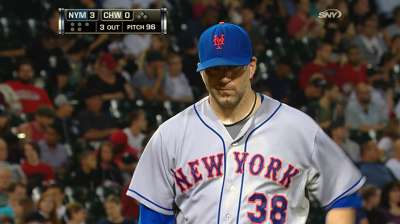 Mets release injured starter Marcum