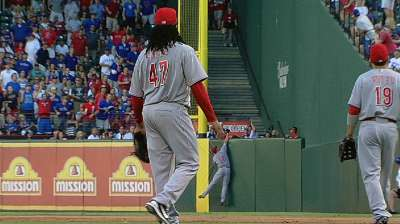 Cueto injured, while offense again comes up empty