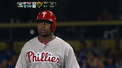 Youngs, Lannan lead Phils' rout at Dodger Stadium