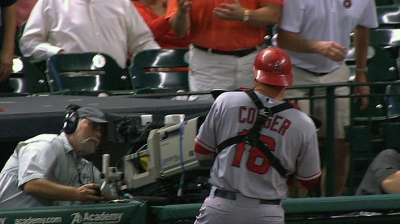 Scioscia gets apology call from Porter over foul ball