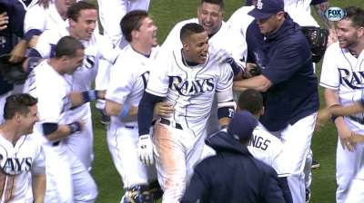 Escobar's walk-off single caps Rays' comeback rally
