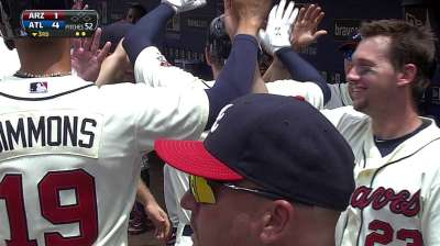 Braves crush three homers on way to sweep
