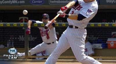 Morneau passes Puckett on Twins' homer list