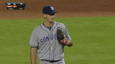 Smith returns to Padres, could get start