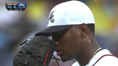 Braves can't escape as Kimbrel allows winner