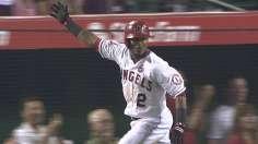 Hamilton's homer tees up Angels' stunner