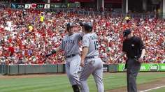 Saunders stifles Reds as Mariners take series